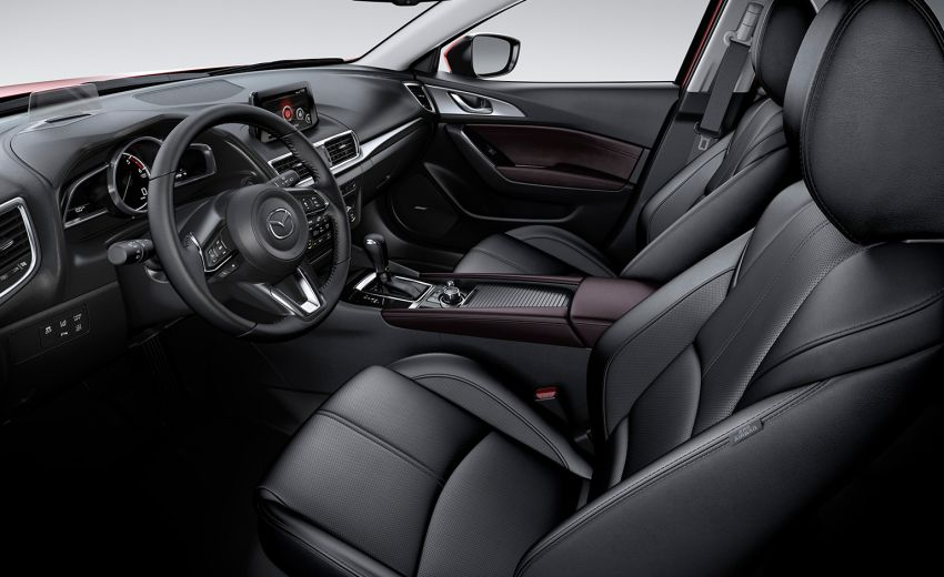 Mazda 3 hatchback interieur