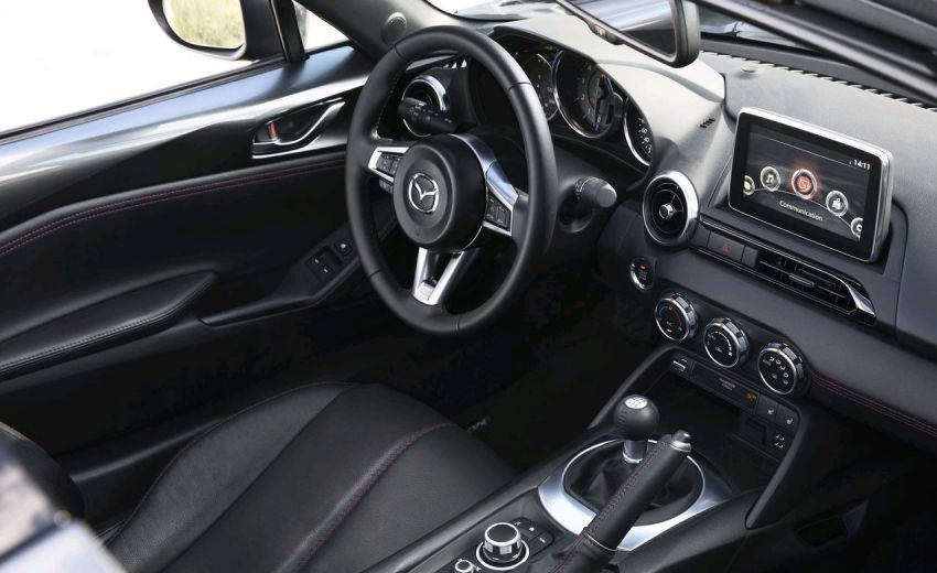 interieur mx 5