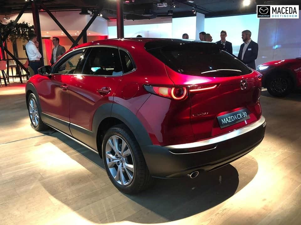 De mazda cx-30 staat in september in onze showroom